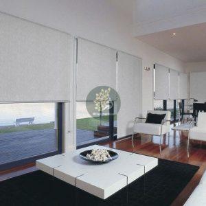 Rèm cuốn chống nắng cho thiết kế không gian mở với vách kính lớn