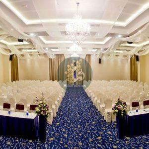 Không gian nhà hàng, tiệc cưới nên sử dụng loại rèm nào?