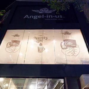 Rèm cuốn in logo cho quán cafe